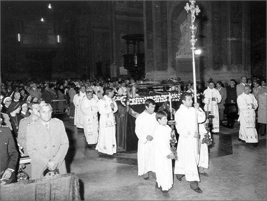 novembre 1981 le spoglie di San Bernardino in Duomo